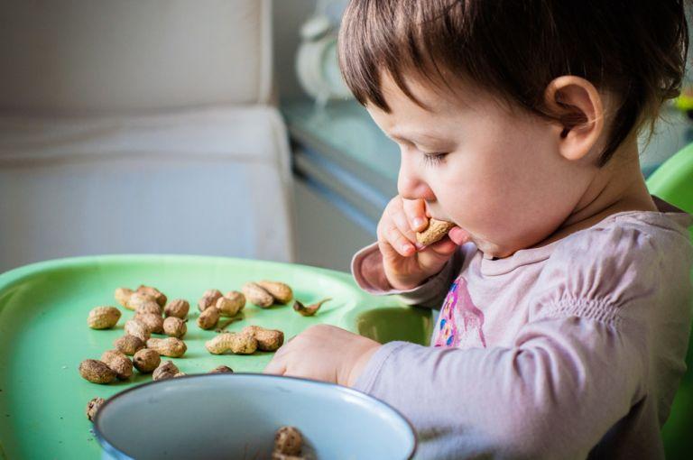 Μόνοι οι μισοί από όσους πιστεύουν ότι έχουν αλλεργία, έχουν πραγματικά | tovima.gr