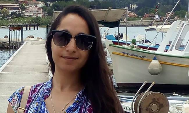 Κηδεύτηκε η  29χρονη Αγγελική που δολοφονήθηκε στην Κέρκυρα από τον πατέρα της | tovima.gr
