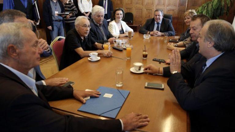Με την απουσία της Κουντουρά ξεκίνησε η συνεδρίαση της ΚΟ των ΑΝΕΛ | tovima.gr