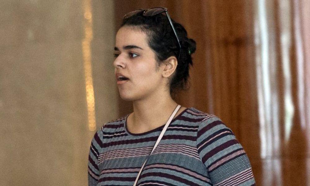 Στον Καναδά, με άσυλο, η νεαρή από την Σαουδική Αραβία που απαρνήθηκε το Ισλάμ - Ειδήσεις - νέα - Το Βήμα Online