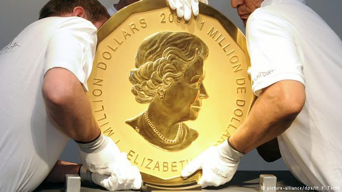 Πολύκροτη δίκη : Πώς εκλάπη χρυσό νόμισμα 100 κιλών από το μουσείο Μπόντε; | tovima.gr