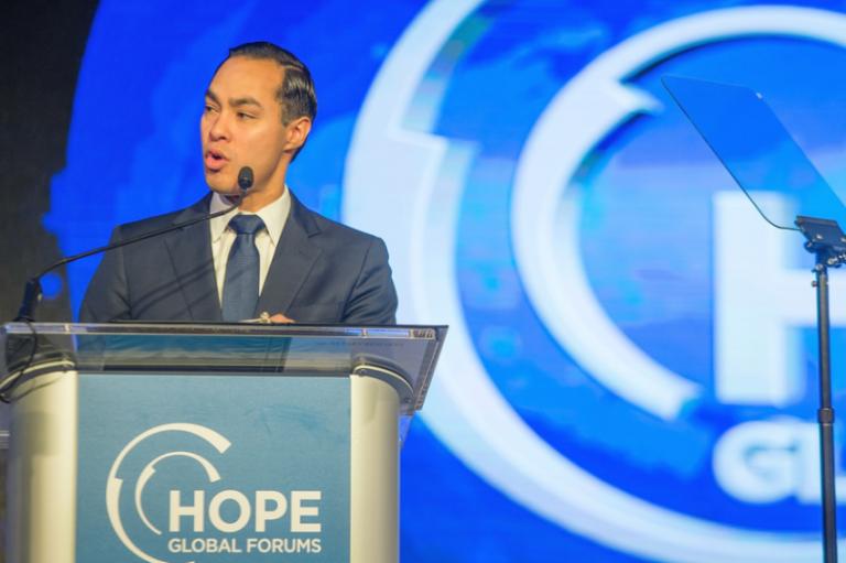 ΗΠΑ-Προεδρικές 2020: O 44χρονος Τζουλιάν Κάστρο υποψήφιος για το χρίσμα των Δημοκρατικών | tovima.gr