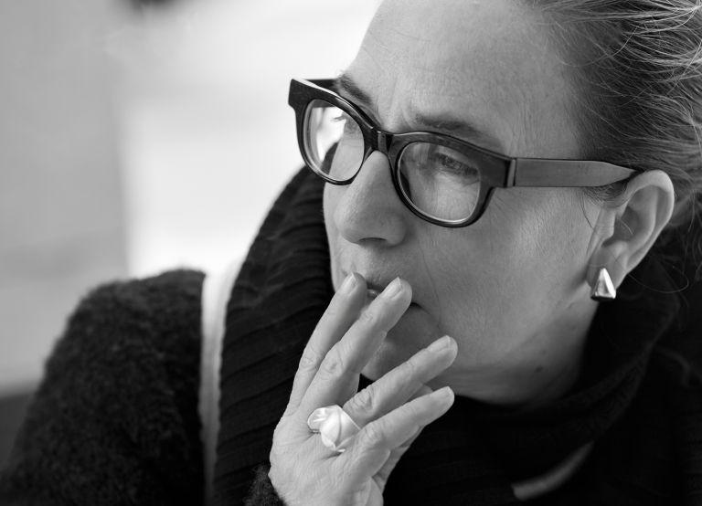 Λίνα Νικολακοπούλου: «Στον έρωτα έχεις να τα βάλεις με ένα θηρίο» | tovima.gr