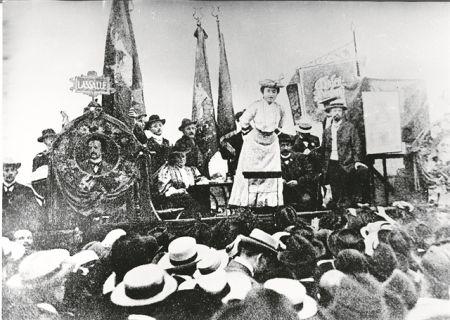 Γενάρης του 1919 – Η Βαϊμάρη, η εξέγερση στο Βερολίνο, η Ρόζα | tovima.gr