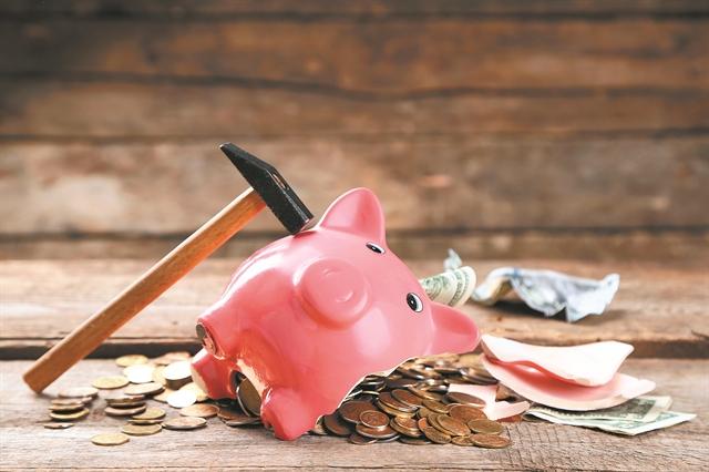 Τράπεζες: Η κυβέρνηση συνεχίζει να «σφυρίζει» αδιάφορα για τα κόκκινα δάνεια | tovima.gr