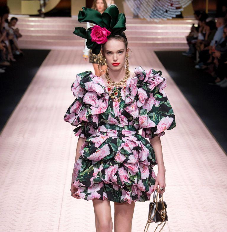Denim & Florals | tovima.gr
