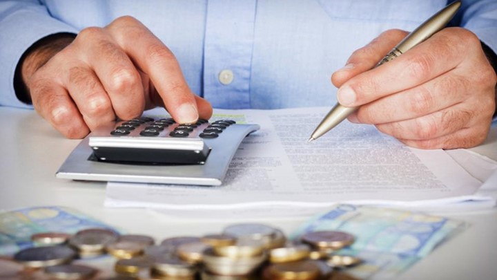 Οφειλές: Εισαγωγή νέων βελτιώσεων για επαγγελματίες και μικρομεσαίους | tovima.gr