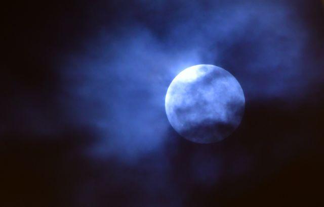 Εντυπωσιακό το πρώτο φεγγάρι του 2019 | tovima.gr