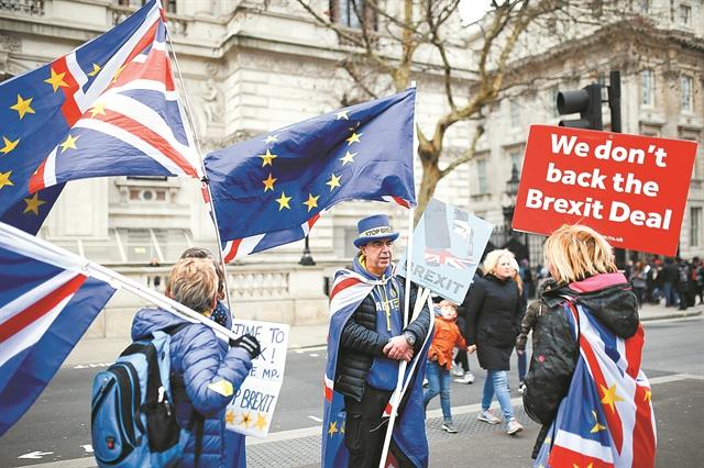 Οι Εργατικοί λένε «όχι» στο Brexit, ο Κόρμπιν αδιαφορεί… | tovima.gr