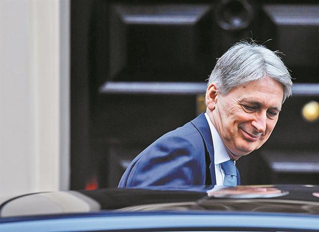 Απότομο φρενάρισμα της βρετανικής οικονομίας | tovima.gr