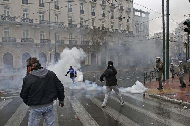Συλλαλητήριο: Βίαιη καταστολή και ανεξέλεγκτη ρίψη δακρυγόνων – κινδύνευσαν ζωές   tovima.gr