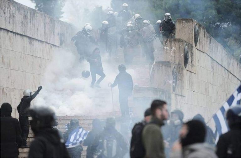 Μαρτυρία από συλλαλητήριο: 50 άτομα με χτυπούσαν με σίδερα και μαχαίρια | tovima.gr