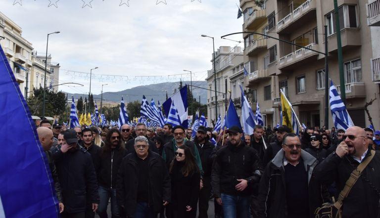 Τα Τάγματα Εφόδου και πάλι παρόντα λόγω «Μακεδονικού» προς άγραν ψήψων | tovima.gr