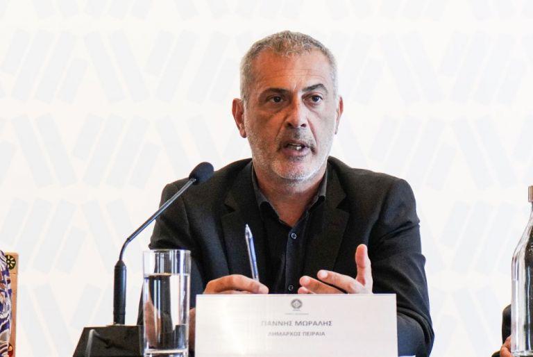 Γιάννης Μώραλης: Ήρθε η ώρα να αναδείξουμε την ομορφιά του Μικρολίμανου | tovima.gr