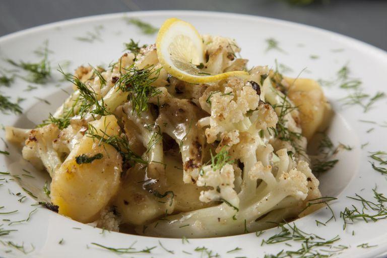 Λεμονάτο κουνουπίδι με πατάτα | tovima.gr