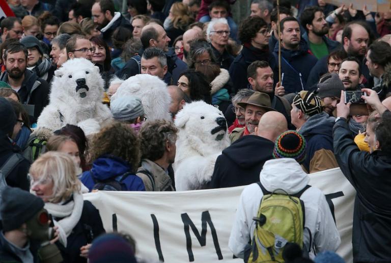 Κατά τις κλιματικής αλλαγής διαδηλώνουν οι νέοι στις Βρυξέλλες | tovima.gr