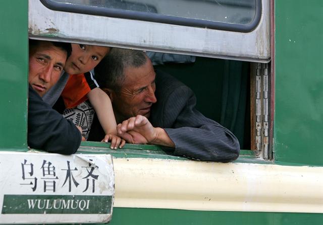 Η σιωπηλή εθνοκάθαρση των Ουιγούρων από το Πεκίνο   tovima.gr