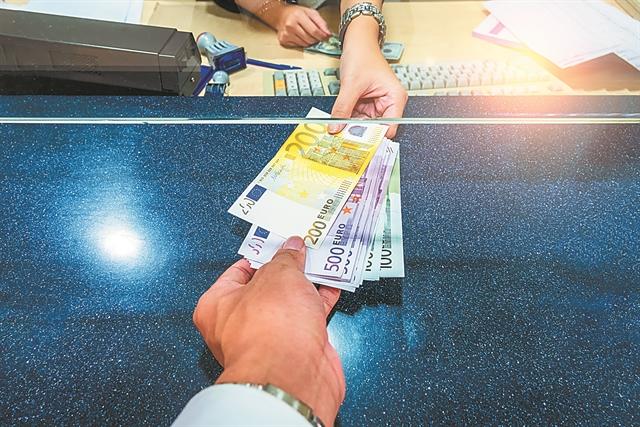 Ελπίδες για περισσότερα δάνεια από τις τράπεζες | tovima.gr