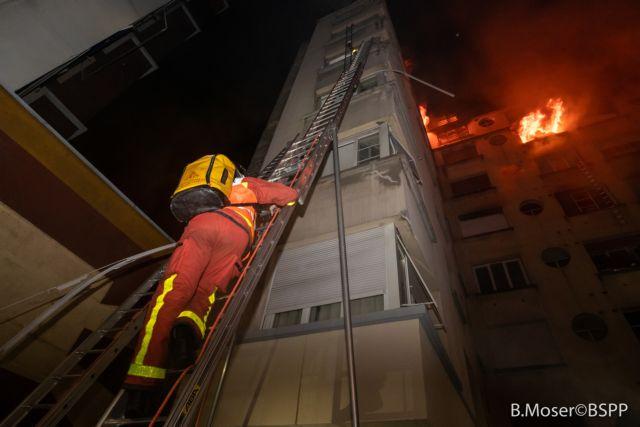 Παρίσι: Στους 8 οι νεκροί από τη φωτιά στην πολυκατοικία | tovima.gr