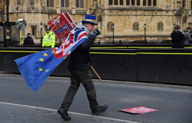 Μετρά αντίστροφα η Βρετανία για το Brexit – Πυρετός στη Ντάουνινγκ Στριτ | tovima.gr
