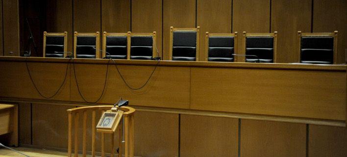 Με συνδρομή… Μπαμπινιώτη δικαστική απόφαση για τροχαίο | tovima.gr