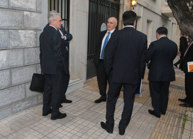 Banks, PM's office approach compromise on home foreclosures, NPLs | tovima.gr
