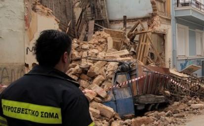 Νέα κατάρρευση κτιρίου στο κέντρο της Αθήνας – Αυτή τη φορά στην Πνύκα | tovima.gr