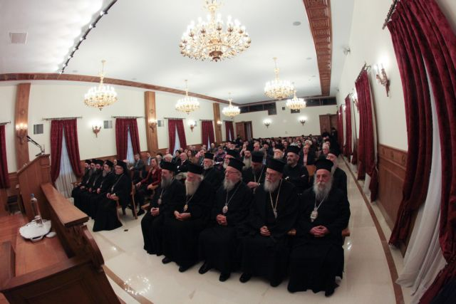 Ο Τσίπρας εκμεταλλεύεται τους κληρικούς για προεκλογικούς λόγους | tovima.gr