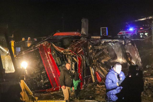 Σκόπια : Στους 14 οι νεκροί από την ανατροπή του λεωφορείου | tovima.gr
