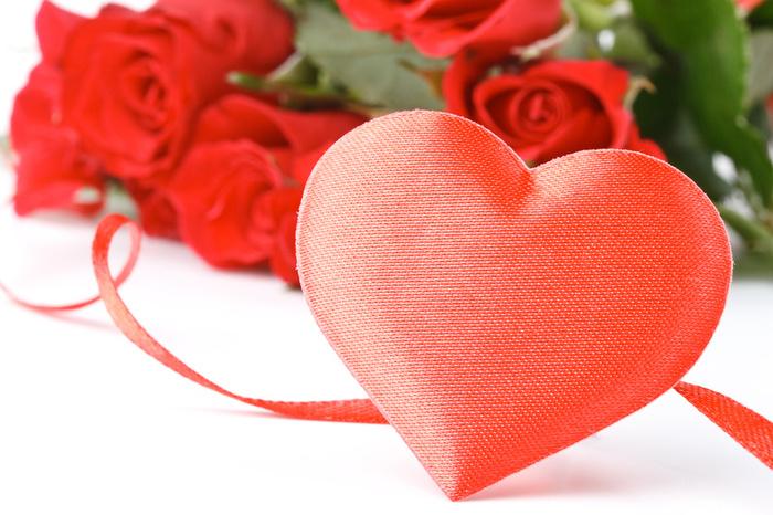 Ημέρα του Αγίου Βαλεντίνου : Η γιορτή των ερωτευμένων στο doodle της Google | tovima.gr