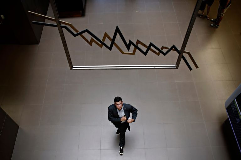 Με το βλέμμα στον εκλογικό κύκλο η νέα έξοδος στις αγορές | tovima.gr