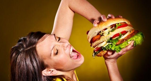 Junk food και εφηβεία: Ποιοι οι κίνδυνοι | tovima.gr