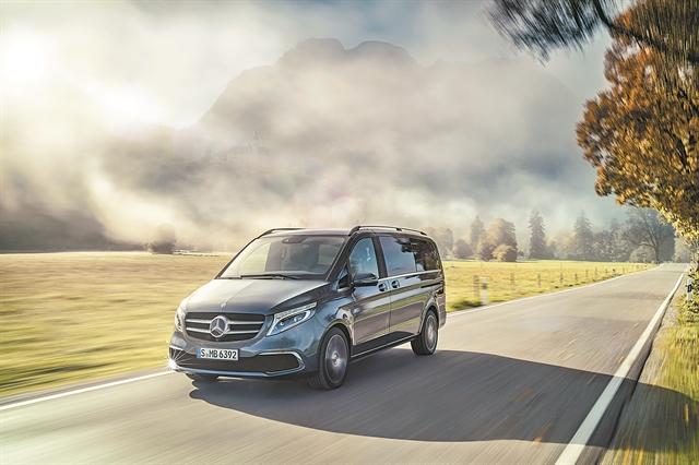 Mercedes-Benz V-Class: Business Class εμπειρία | tovima.gr