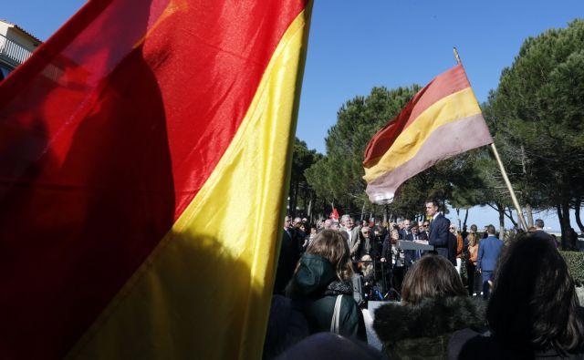 Ισπανία: Χωρίς πλειοψηφία ο συνασπισμός της δεξιάς   tovima.gr