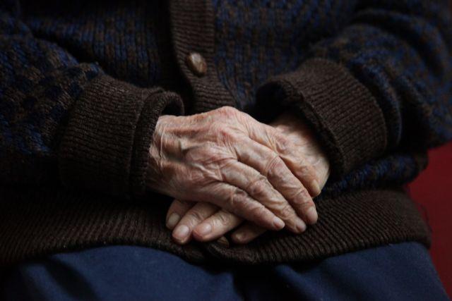 Ηλικιωμένος εκδιώχθηκε από γηροκομείο γιατί είναι ομοφυλόφιλος | tovima.gr