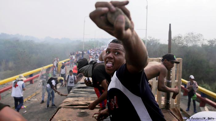 Θα ρίσκαρε ο Τραμπ στρατιωτική επέμβαση στη Βενεζουέλα;   tovima.gr