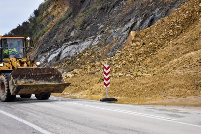 Κρήτη: Κατέρρευσε ο Επιπρομαχώνας από την κακοκαιρία | tovima.gr