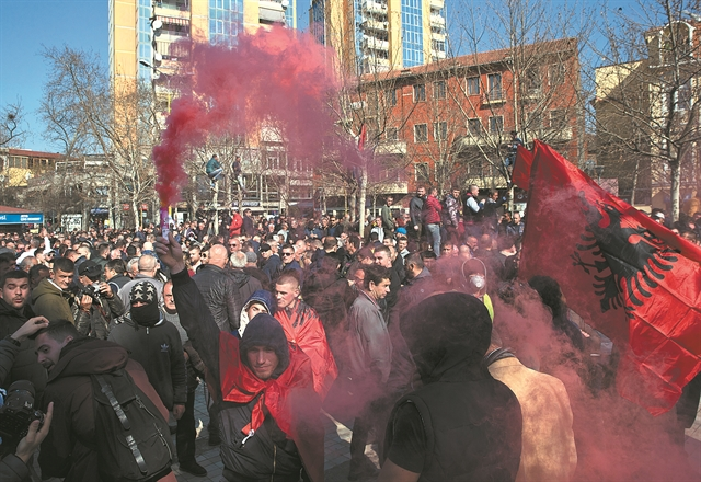 Η αλβανική κρίση ανησυχεί την Αθήνα | tovima.gr