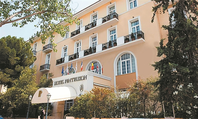 Οι τουριστικές «δραστηριότητες» του κ. Δουζόγλου | tovima.gr