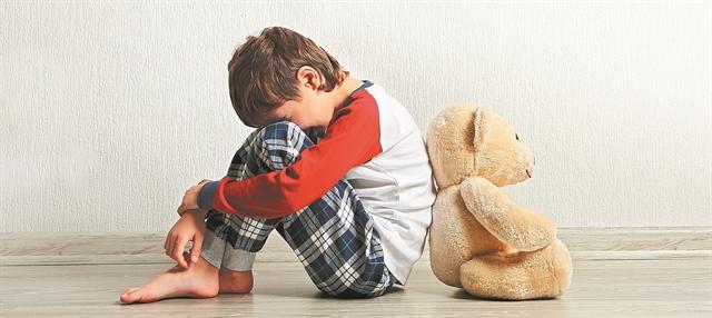 Ντέιβιντ Φίνκελχορ: Οι γονείς θύτες στις περισσότερες περιπτώσεις κακοποιημένων παιδιών | tovima.gr