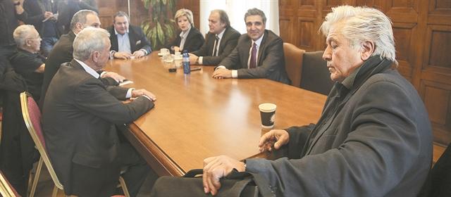 Βουλευτές έτοιμοι για όλα… | tovima.gr