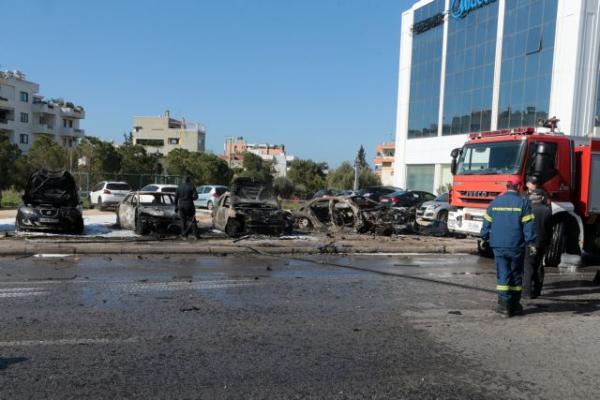 ΕΛ.ΑΣ: Ψάχνουν σχέση της έκρηξης σε ΙΧ στην Γλυφάδα με τους Hell's Angels | tovima.gr
