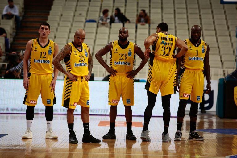 Η FIBA επέβαλε απαγόρευση μεταγραφών στην ΑΕΚ | tovima.gr