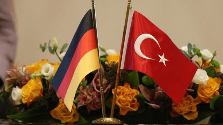 Γερμανική αντίδραση για το δημοσιογραφικό εμπάργκο της Τουρκίας | tovima.gr
