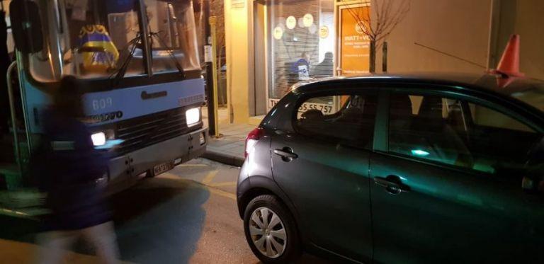 Θεσσαλονίκη : Λεωφορείο του ΟΑΣΘ άλλαξε δρομολόγιο λόγω σταθμευμένου οχήματος | tovima.gr