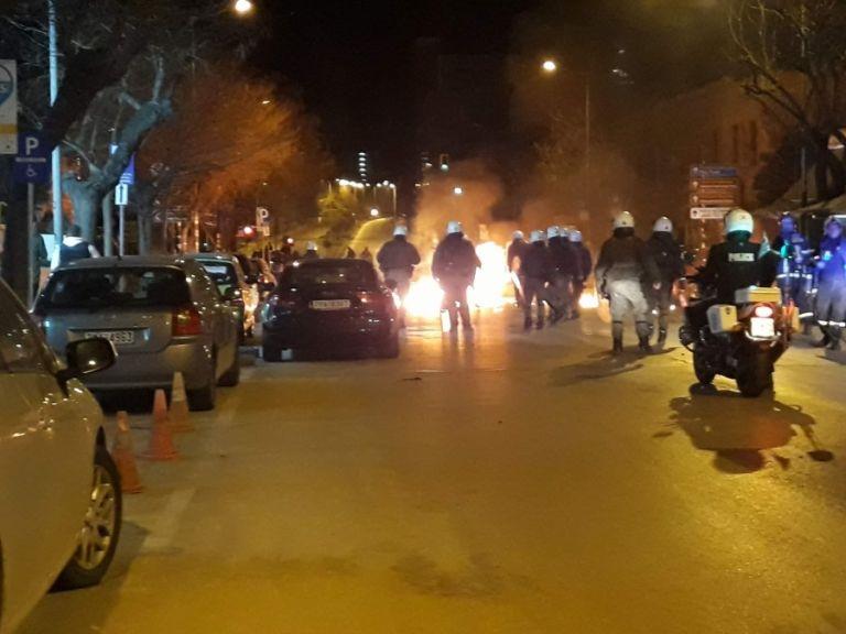 Συγκρούσεις αστυνομικών – κουκουλοφόρων και στη Θεσσαλονίκη | tovima.gr