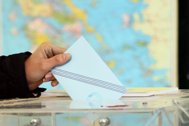 Δημοσκόπηση – Θεσσαλονίκη: Φαβορί ο Ταχιάος – 10,5% πίσω η Νοτοπούλου | tovima.gr