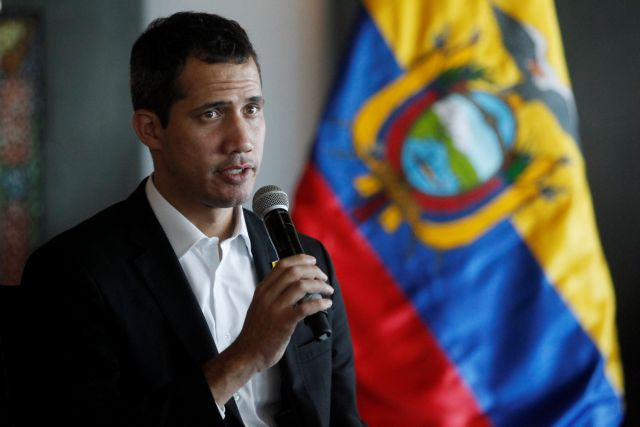 Επέστρεψε στη Βενεζουέλα ο Γκουαϊδό και καλεί τον λαό σε εξέγερση | tovima.gr