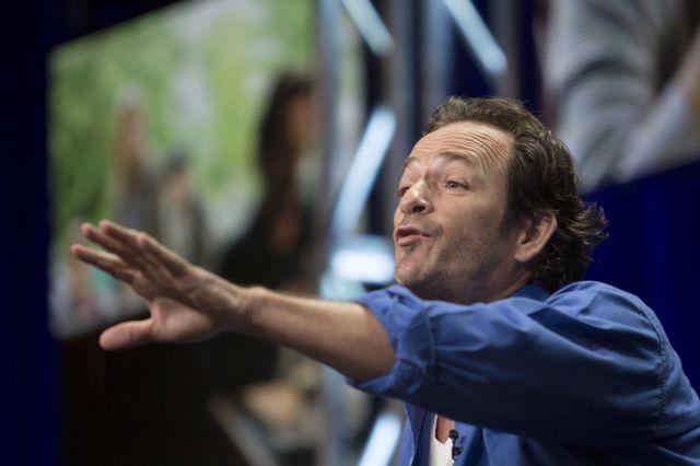 Πέθανε ο ηθοποιός Λουκ Πέρι – Πρωταγωνιστούσε στο «Χτυποκάρδια στο Μπέβερλι Χιλς» | tovima.gr