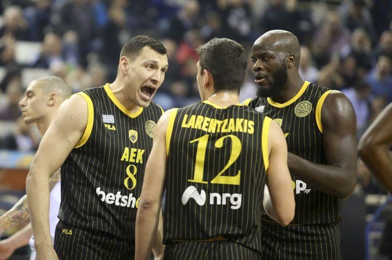 «Άλωσε» το Παλατάκι μετά από τρία χρόνια η ΑΕΚ | tovima.gr